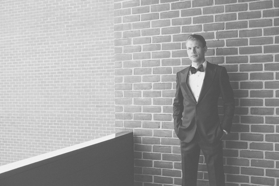 4-black-and-white-image-of-groom